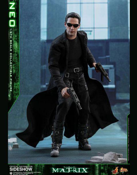 Hot Toys Matrix Movie Masterpiece Action Figure Neo