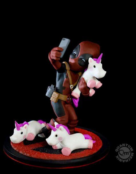 QMx Marvel Q-Fig - Deadpool Unicornselfie